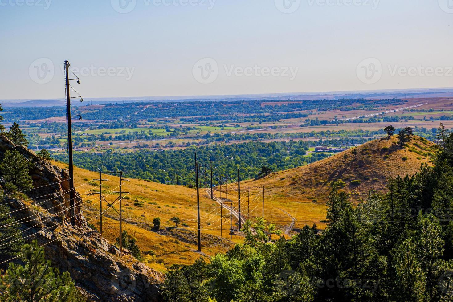 Cables eléctricos en el parque Chautauqua en Boulder, Colorado foto