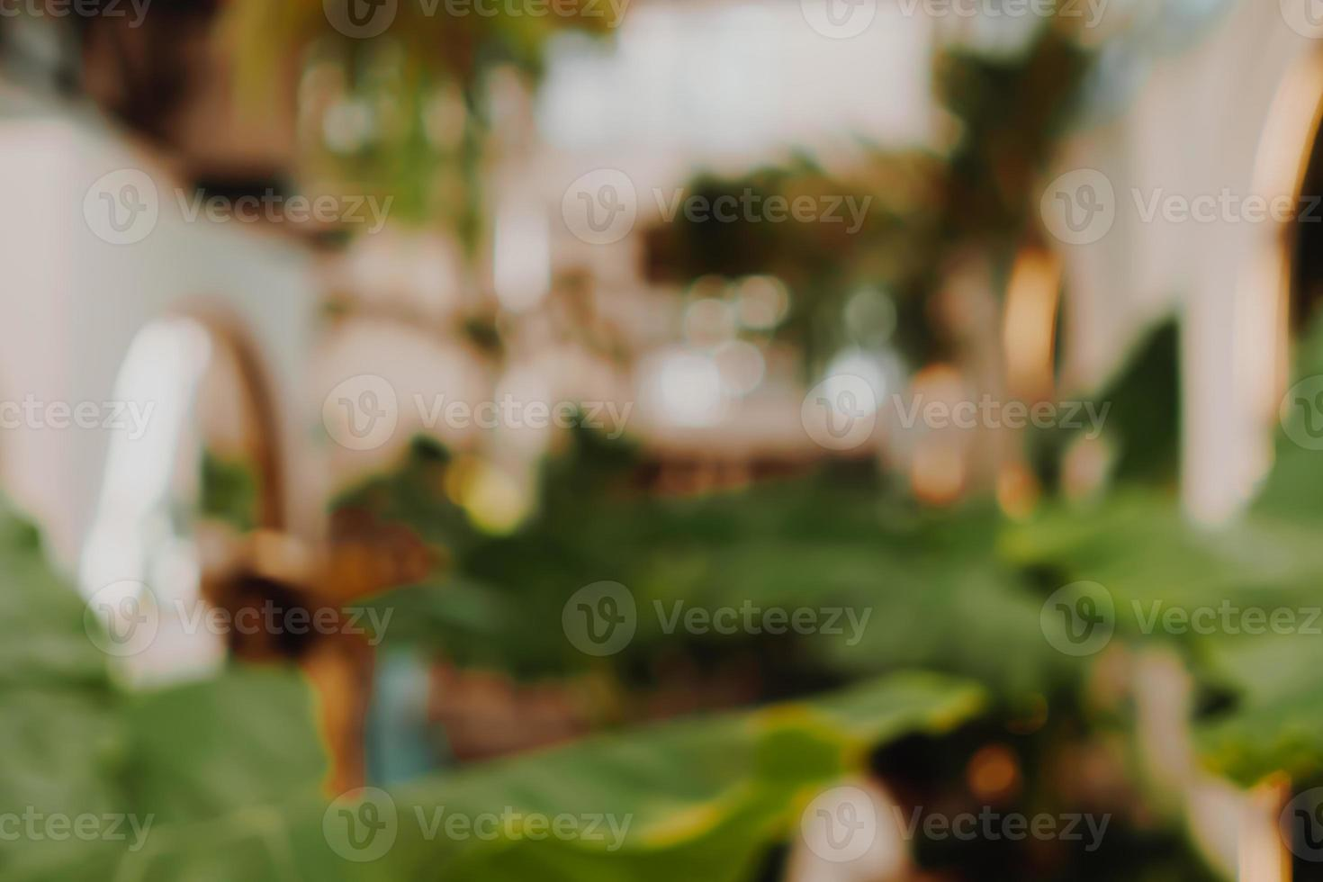 Desenfoque de café y café restutant con fondo de clientes foto