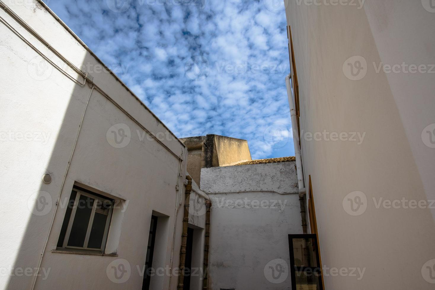 2021 05 29 Marsala geometry and clouds photo