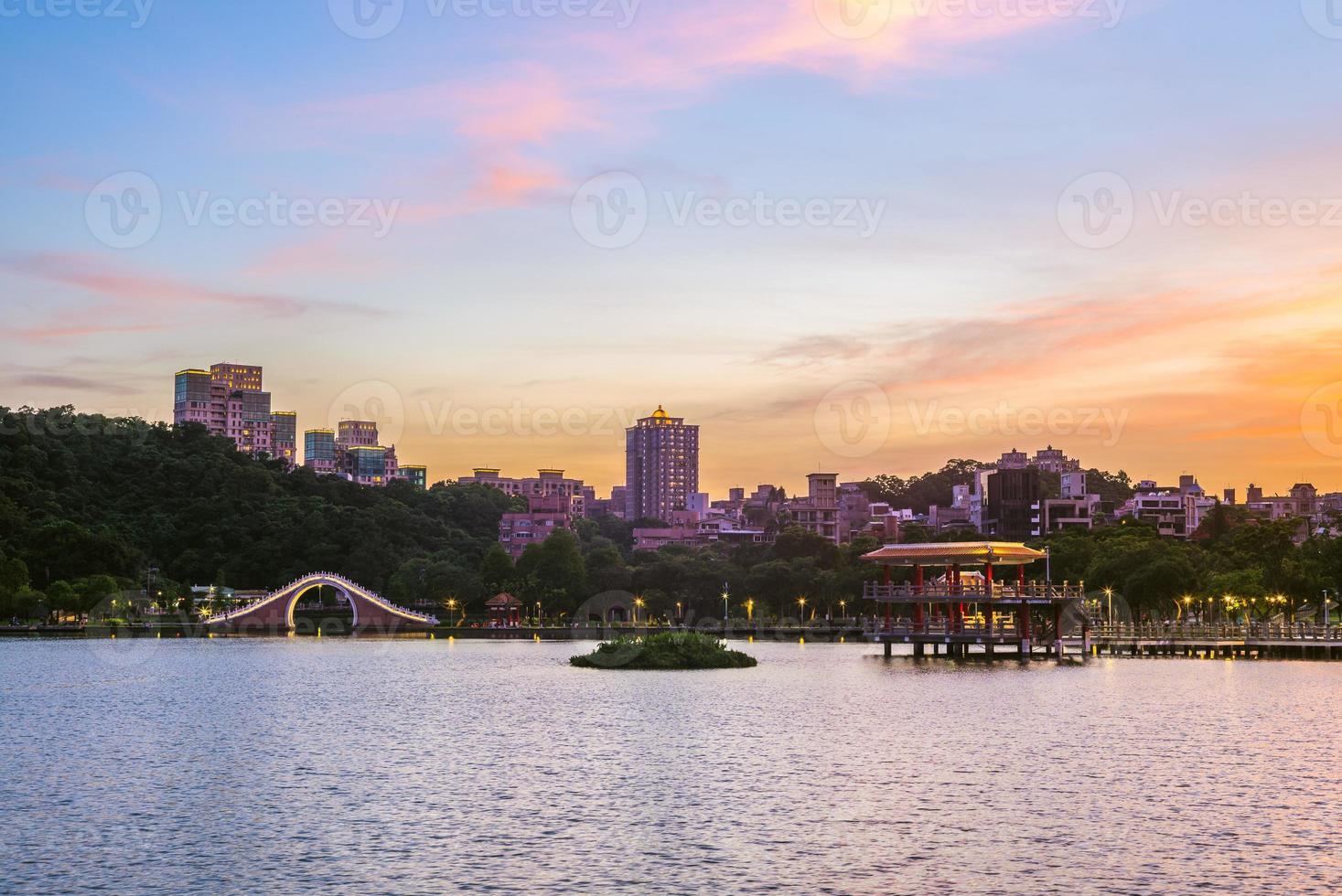 paisaje del parque dahu en taipei, taiwán foto