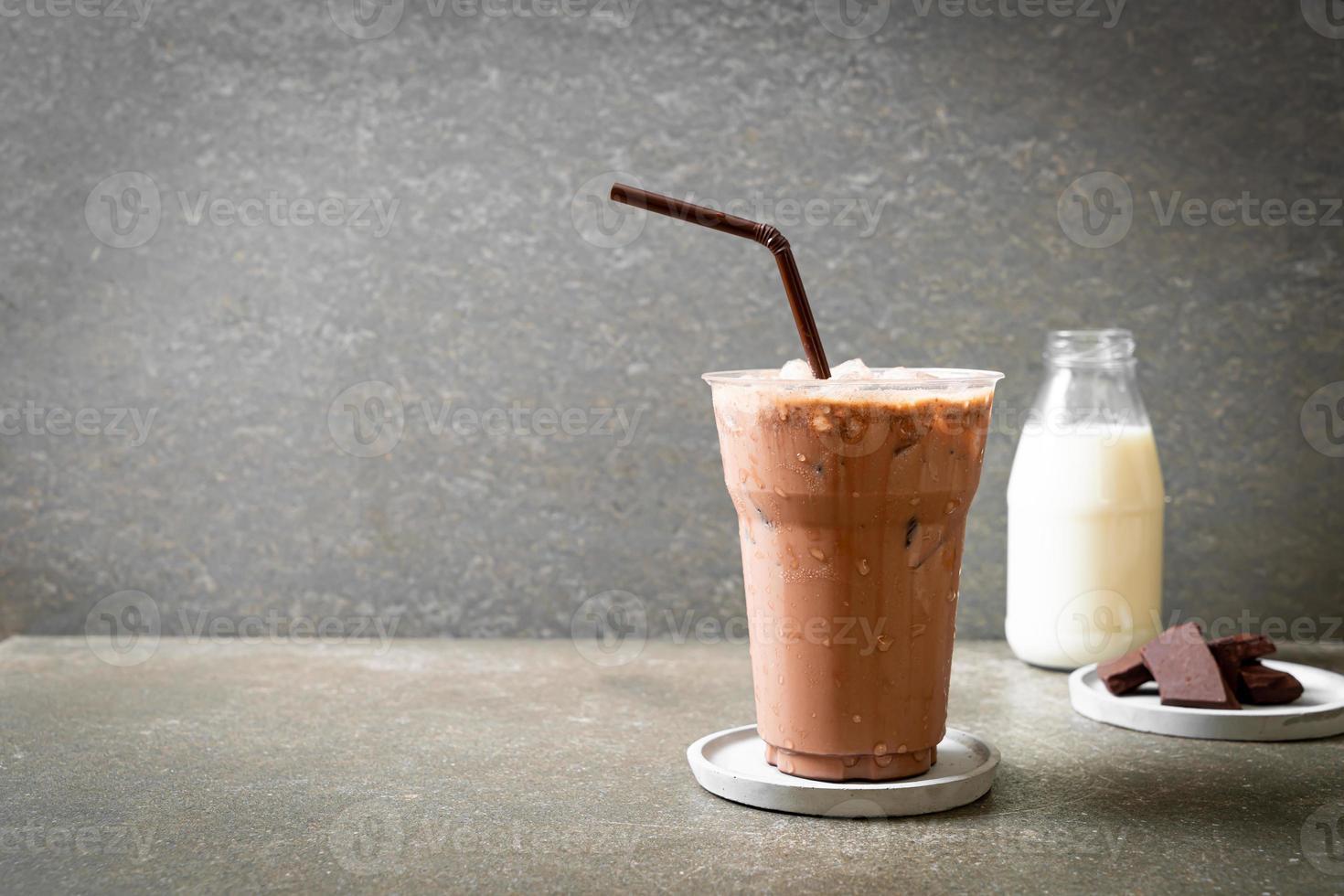 bebida de batido de chocolate helado foto