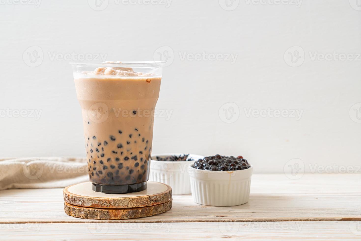 té con leche de taiwán con burbujas foto