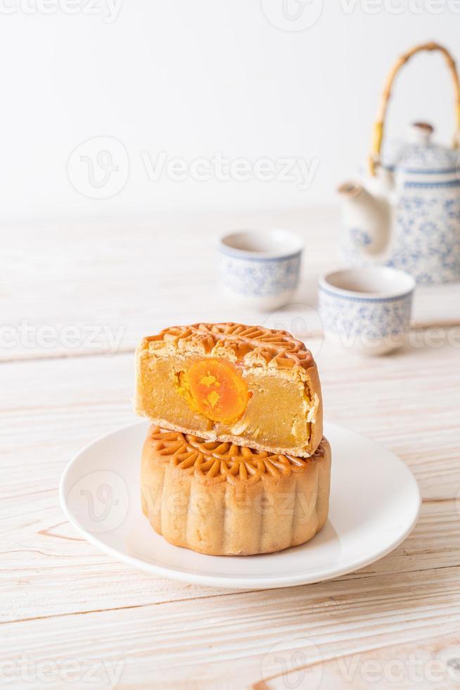pastel de luna chino durian y sabor a yema de huevo foto