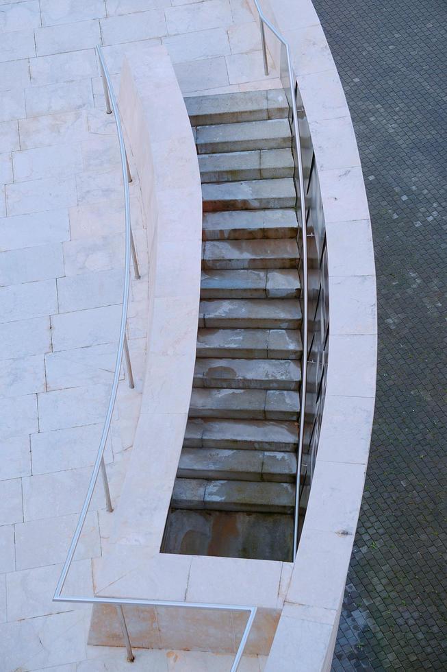 arquitectura de escaleras en la calle foto