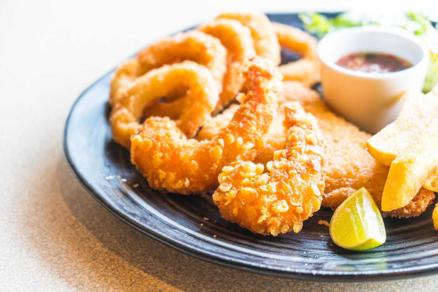 Fried Seafood platter photo
