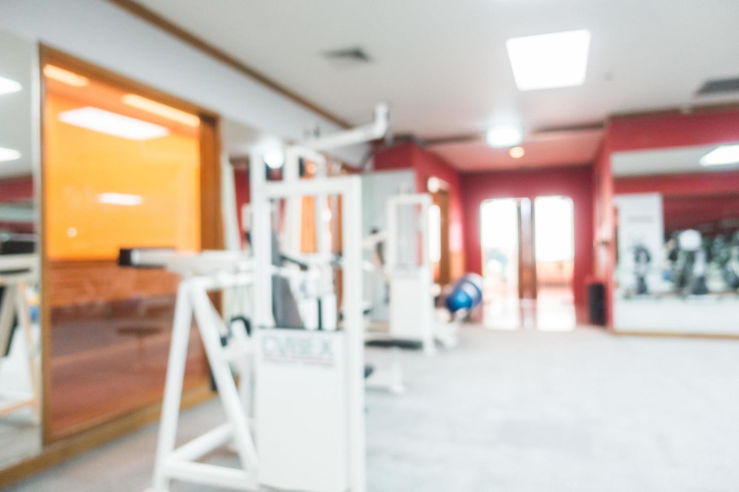 Desenfoque abstracto interior de gimnasio y sala de fitness foto