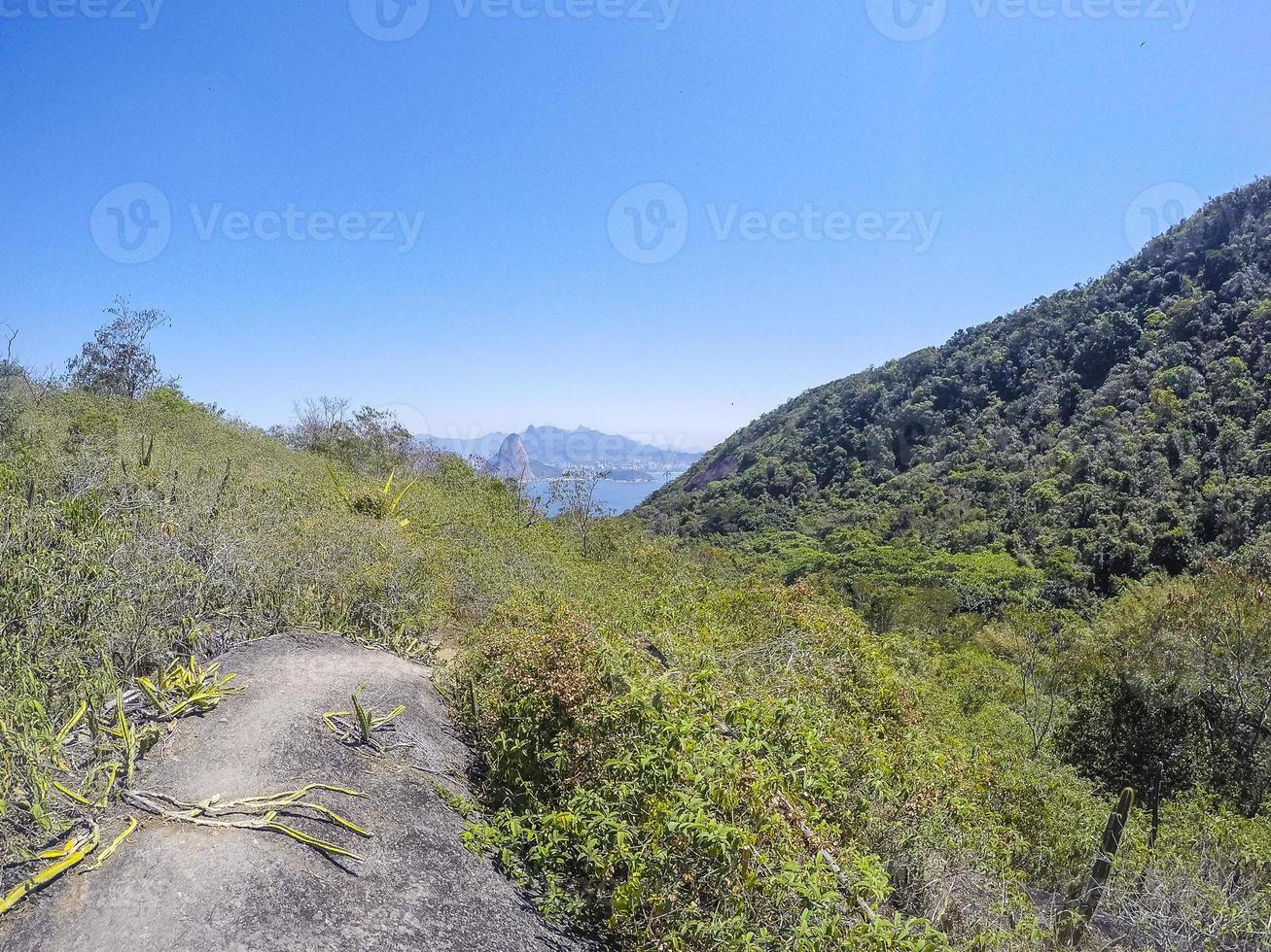 vista de la pista de tupinamba en niteroi foto
