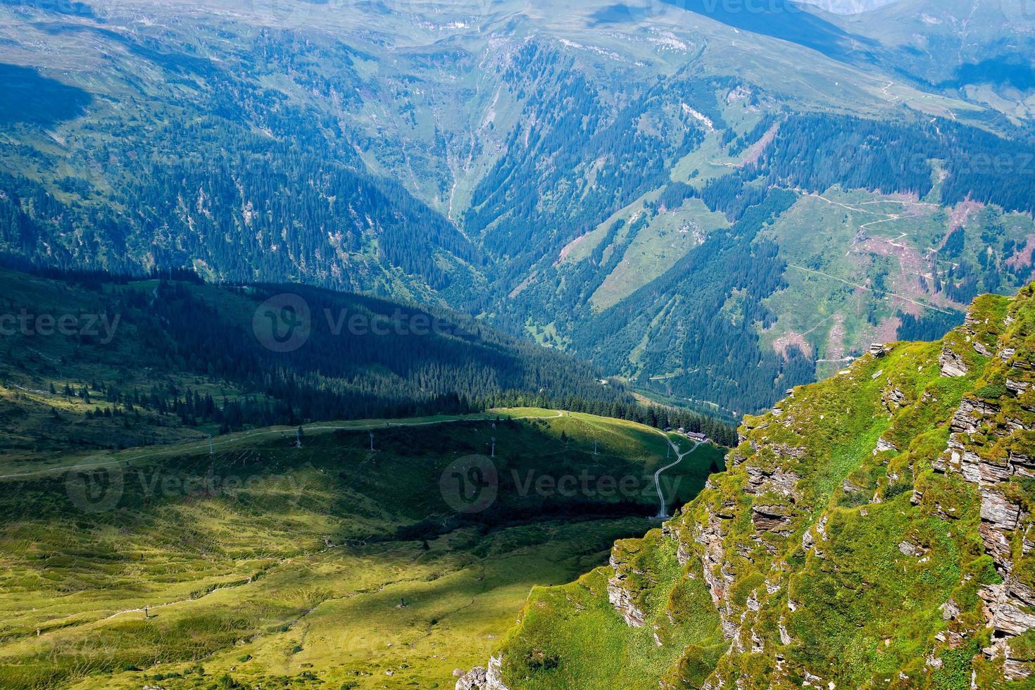 hermoso paisaje de los alpes austríacos, europa. foto