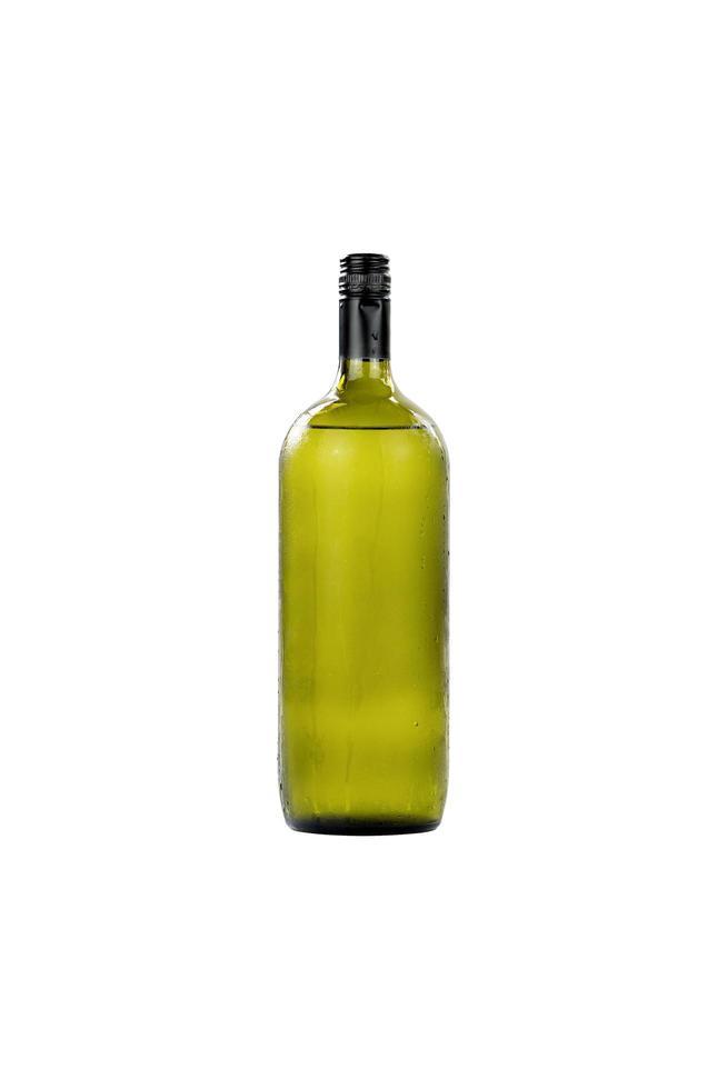 Gran botella de vino de cristal sobre fondo blanco. foto