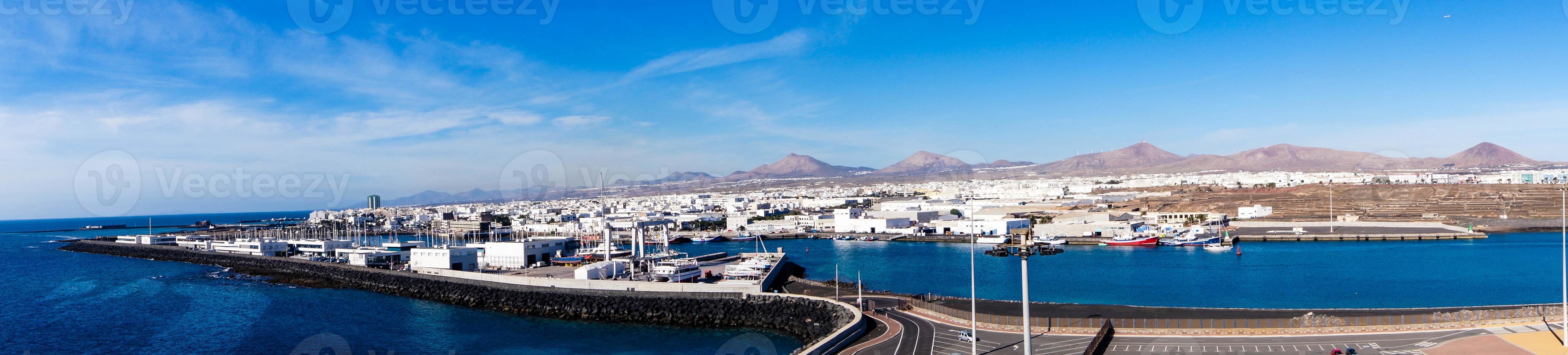 Puerto interior de Arrecife, Lanzarote, España foto