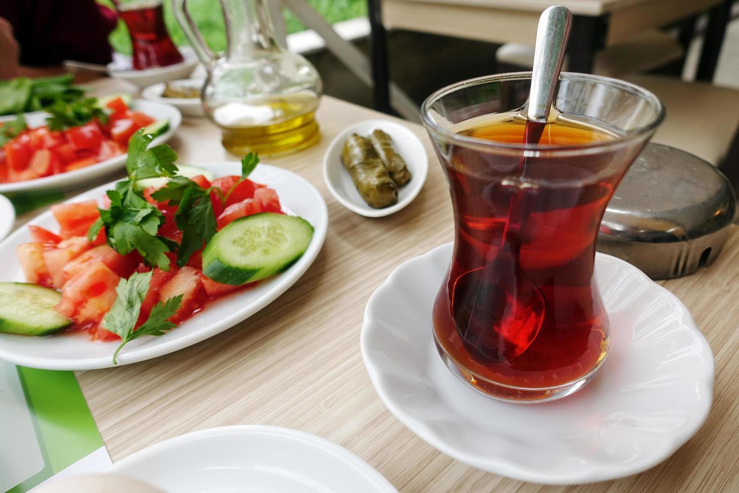 mesa de desayuno tradicional turco foto