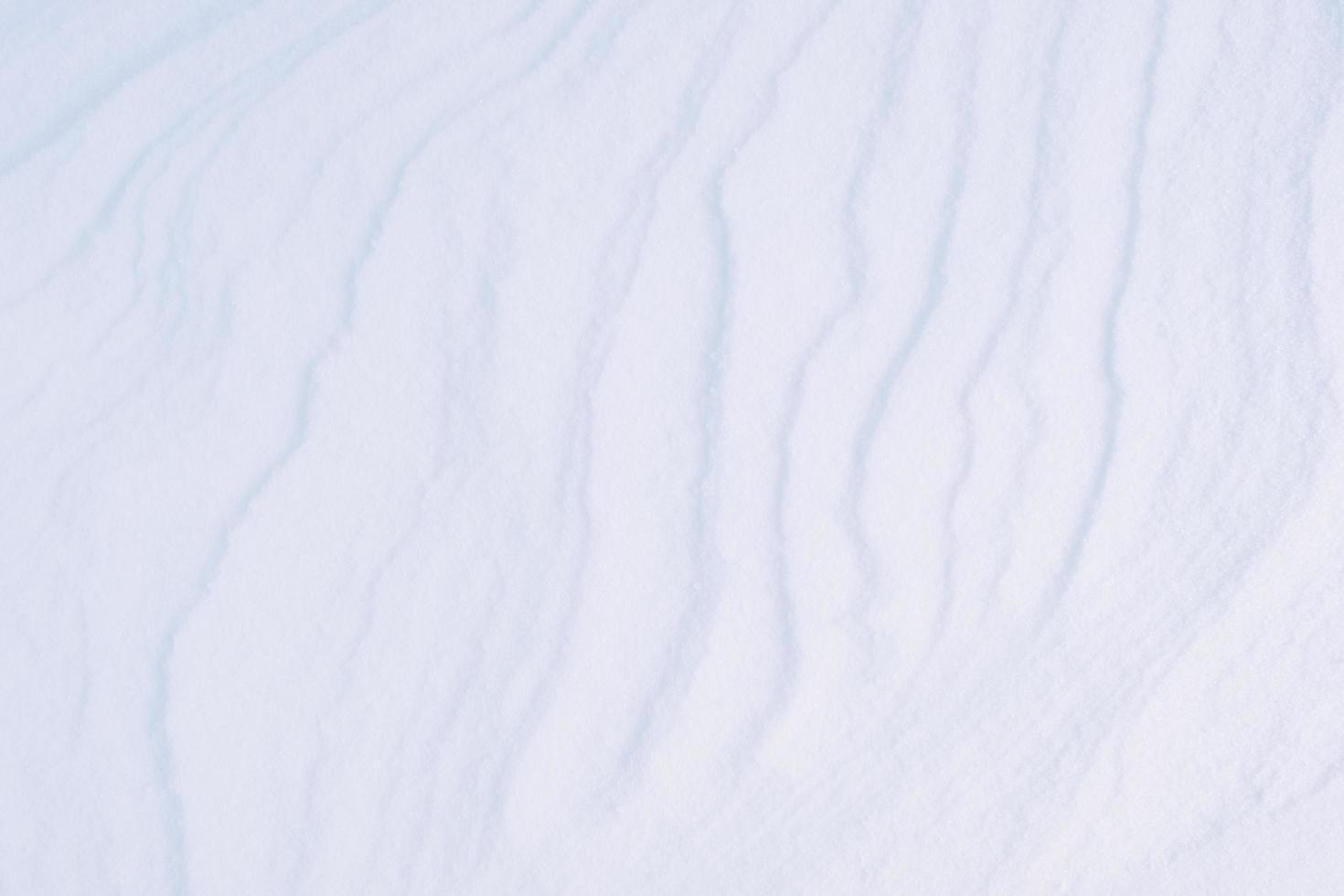 Textura de nieve blanca limpia hecha de cristales de hielo. foto