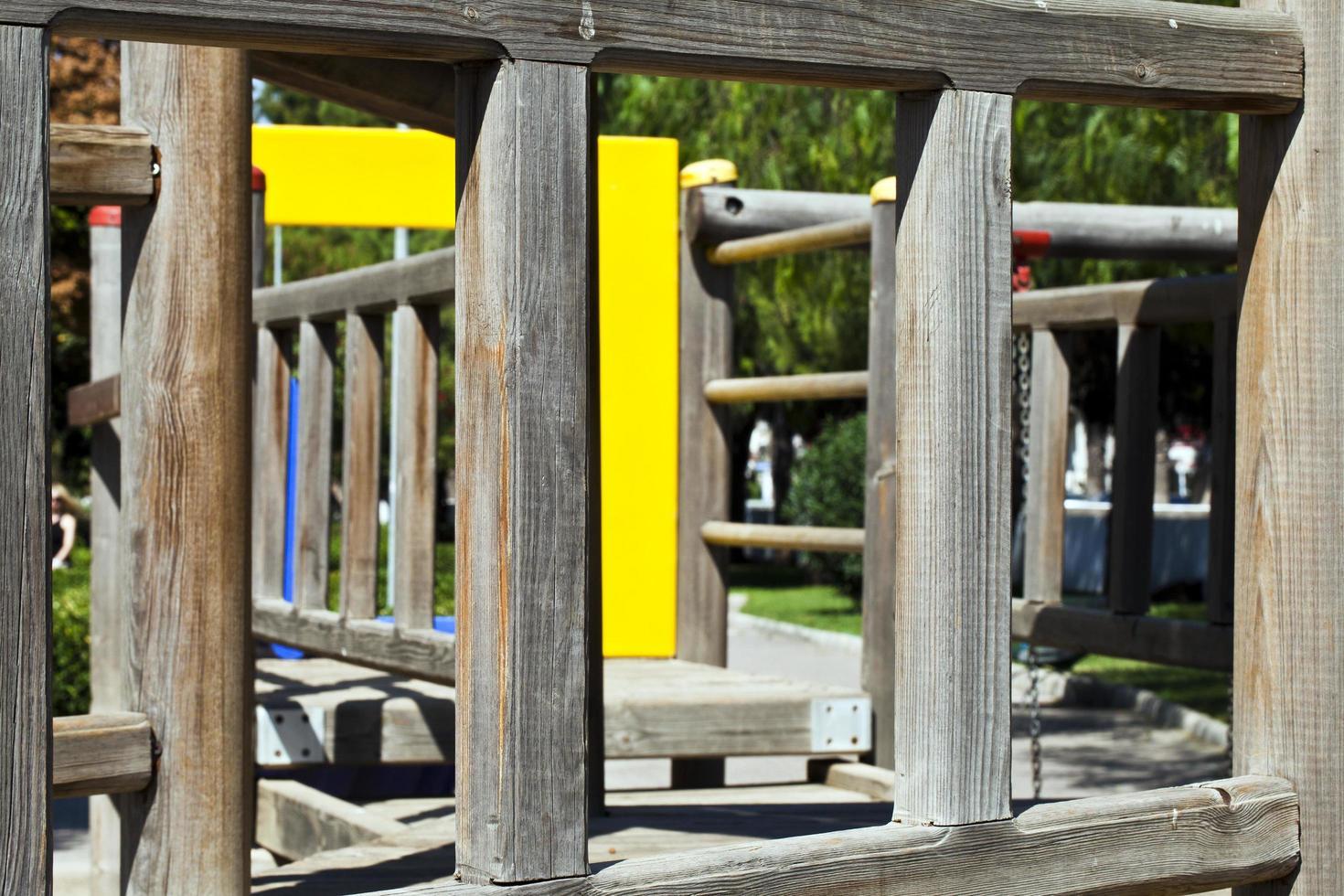 parque infantil al aire libre para divertirse foto