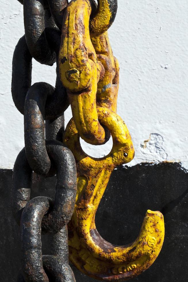 Cadena de metal oxidado grunge abstracto foto
