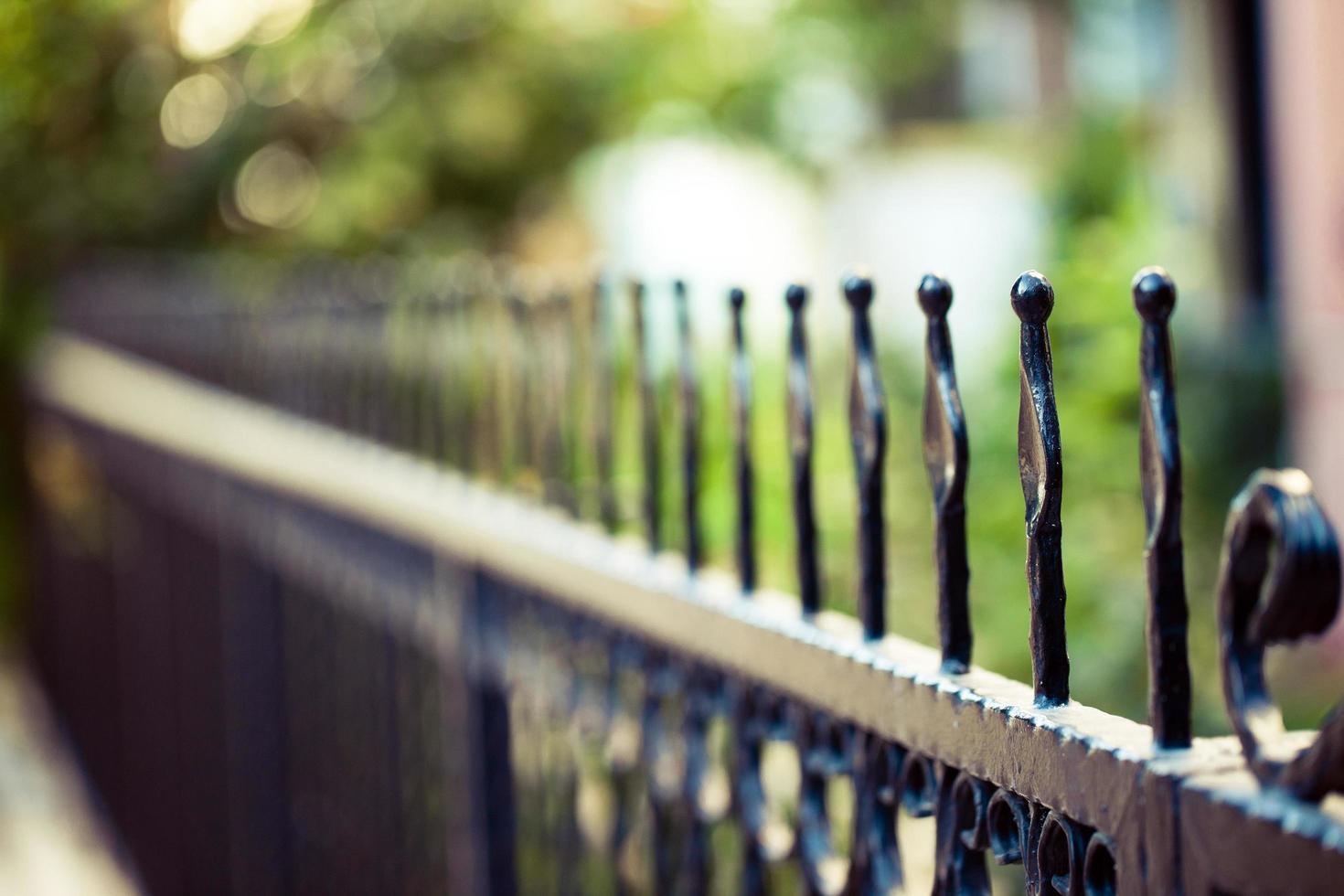 diseño de arquitectura abstracta de vallas de hierro foto