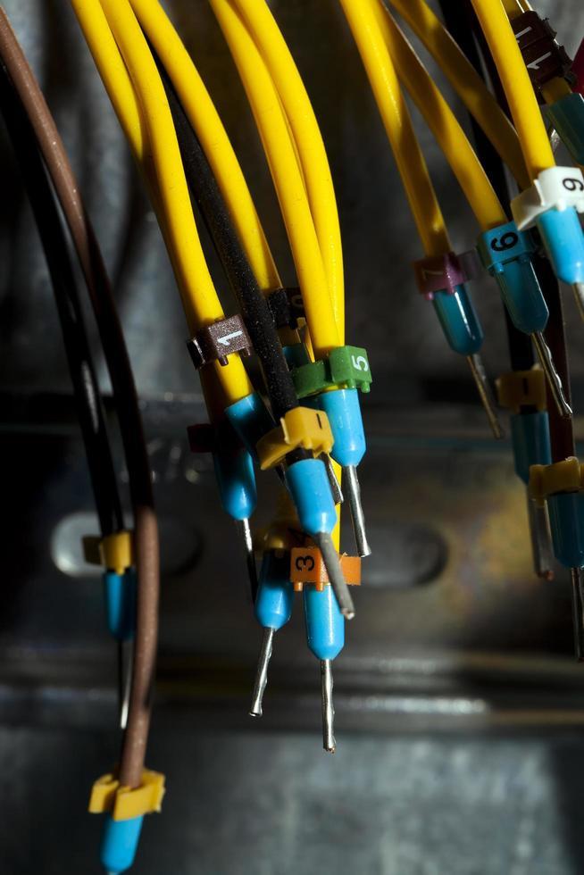 cables y líneas de equipos de energía de electricidad industrial foto