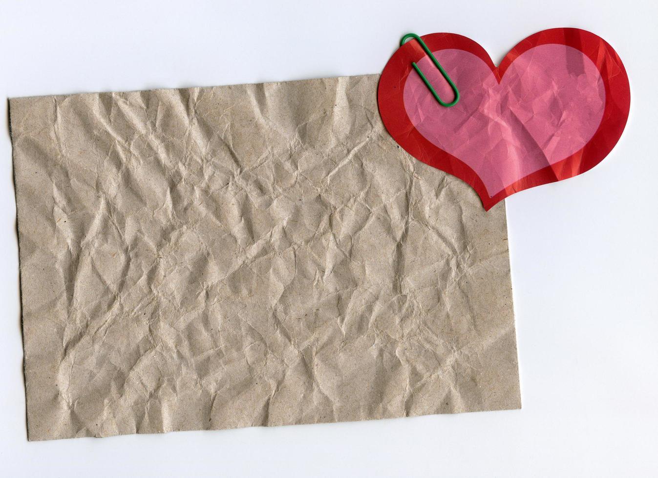 pegatina de cartón y forma de corazón foto
