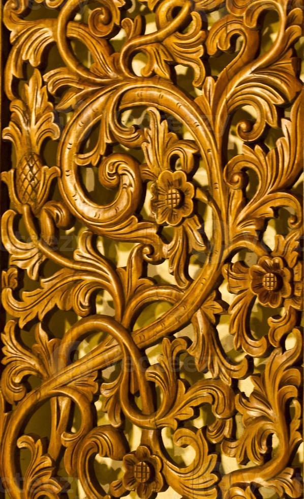 detalle de artesanía de madera foto