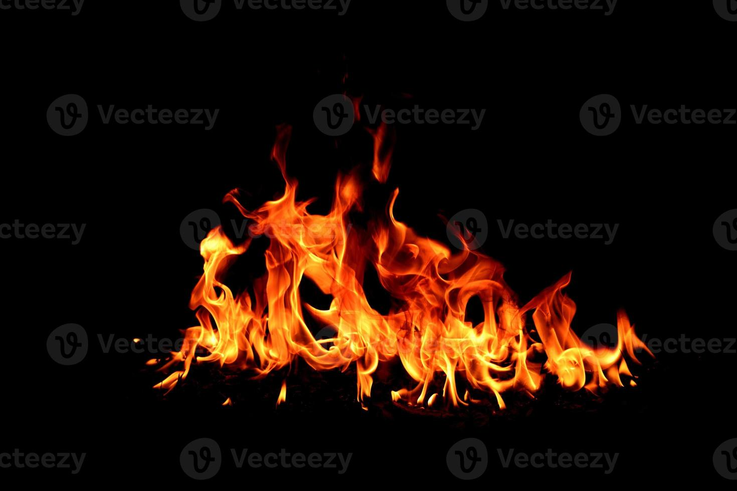 llama de fuego en blackground foto