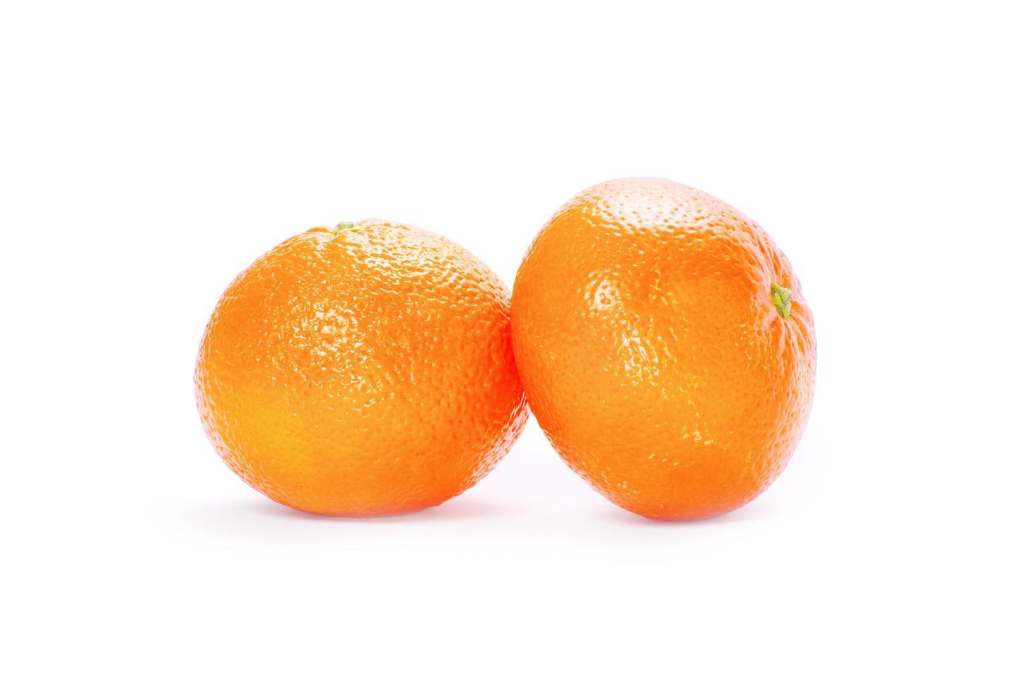 mandarina aislado sobre fondo blanco foto