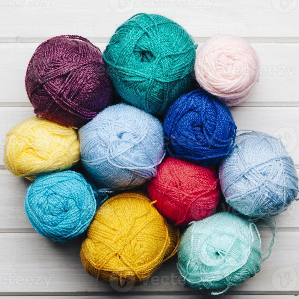 bolas de lana formando un círculo foto