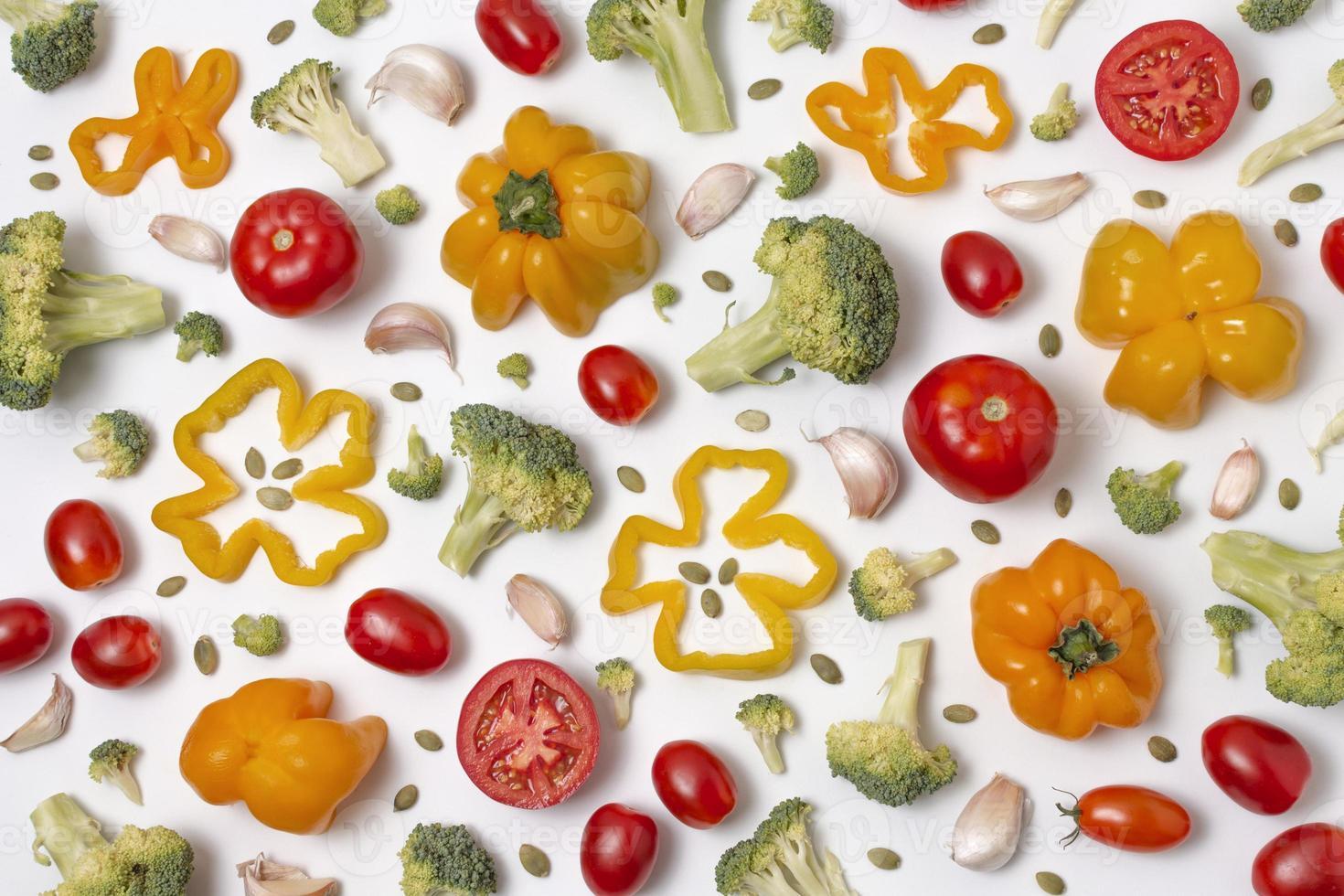 deliciosa composición de verduras maduras foto