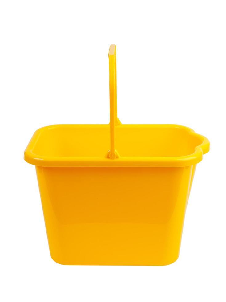 cubo de plástico amarillo foto