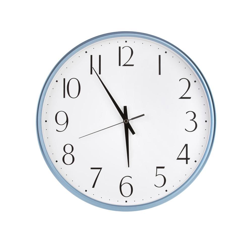 cinco a seis horas en el reloj foto