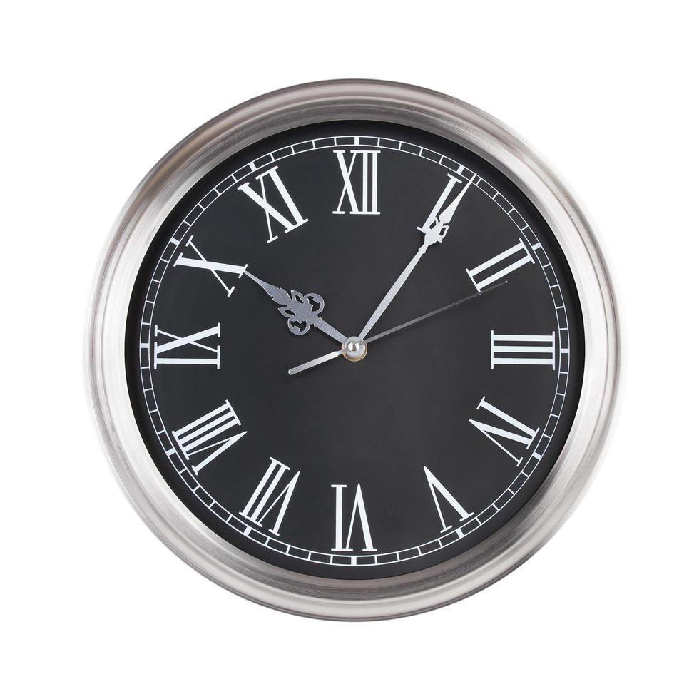 cinco minutos y diez en el reloj foto
