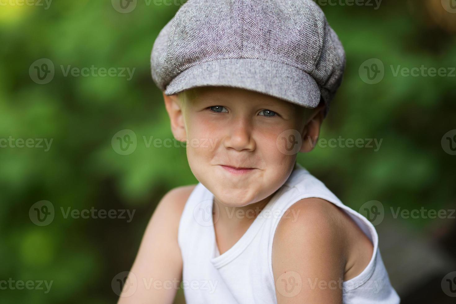 retrato, de, encantador, rubio, niño foto