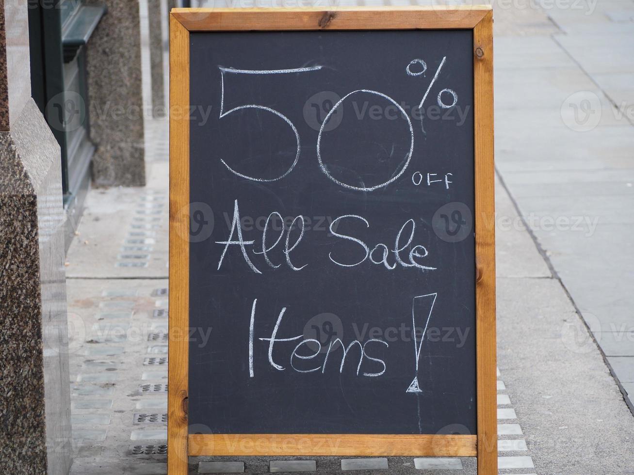 Signo de ventas del 50 por ciento foto