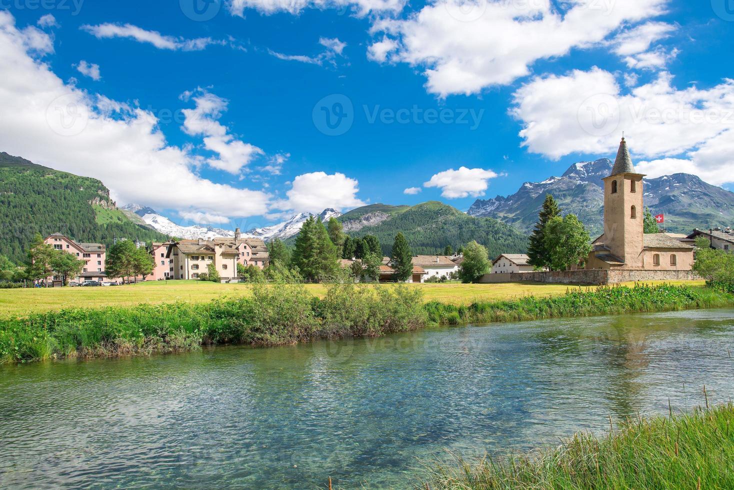 pueblo suizo de sils maria foto