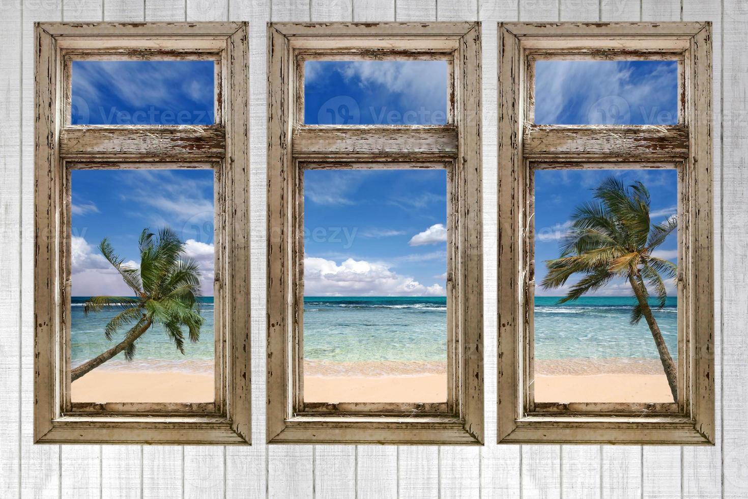 vista al mar desde una cabaña vintage foto