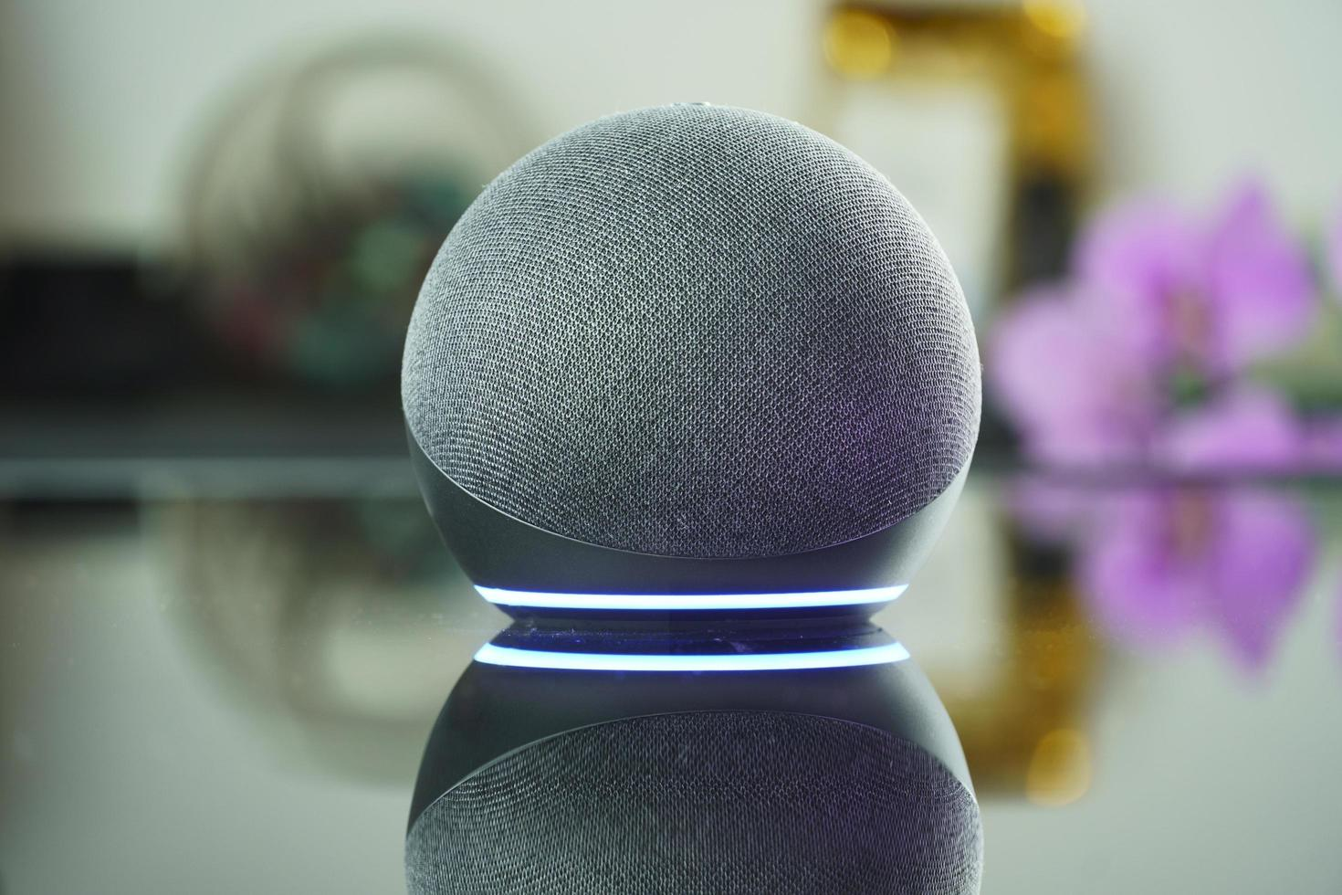 Smart speaker and a virtual assistant photo