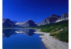 Montaña Lago Vector