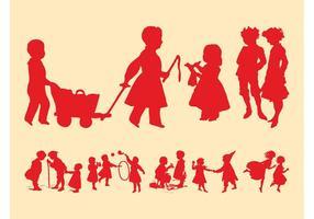 Jouer aux silhouettes des enfants