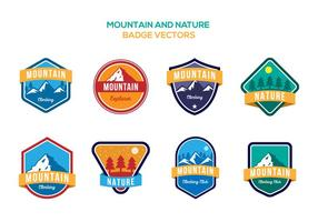 Gratis Mountain and Nature Badge Vectoren