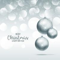 Elegantes bolas navideñas colgantes sobre fondo brillo glitter