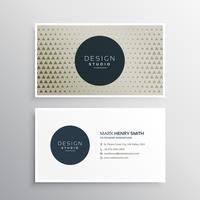 moderna tarjeta de visita con el patrón de triángulo