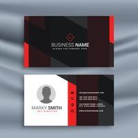 dunkle Unternehmensvisitenkarte mit Profilfoto