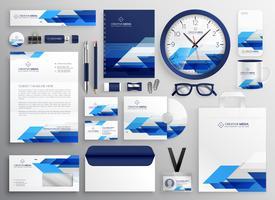 professionelles modernes Geschäftspapierset-Design für Ihre Branche