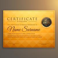 Diseño de plantilla de certificado con patrón dorado.