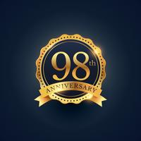 Étiquette de badge de célébration du 98e anniversaire de couleur dorée
