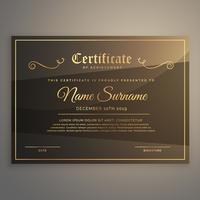 Certificado de plantilla o diploma de diseño en estilo de lujo de oro