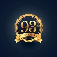 Étiquette de badge de célébration du 93e anniversaire de couleur dorée