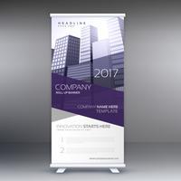 empresa arregaçar banner com formas roxas e edifícios