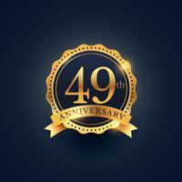 Rótulo de distintivo de celebração de aniversário 49 na cor dourada