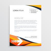 Kreatives Design des Geschäftsbriefkopfs in der orange Farbe