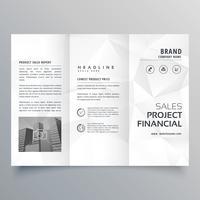 minimale abstracte grijze veelhoekige vormen driebladige brochure sjabloon