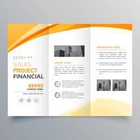 jaune ondulé tri fold business brochure design template vecteur